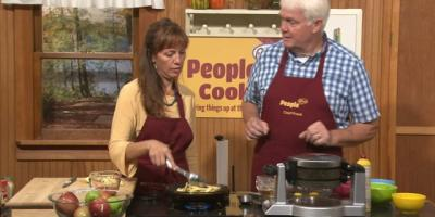 People Plus Cooks - Waffles with Fried Apples